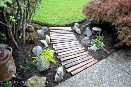 DIY Garden Projects: Upcycle pallets into a Garden Pathway